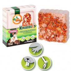 Минеральный камень Flamingo Knibbles Carrot Cubes для грызунов с морковью для гигиены зубов, 70г